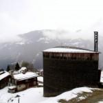 スイスアルプスの小さな教会で心静まる時間