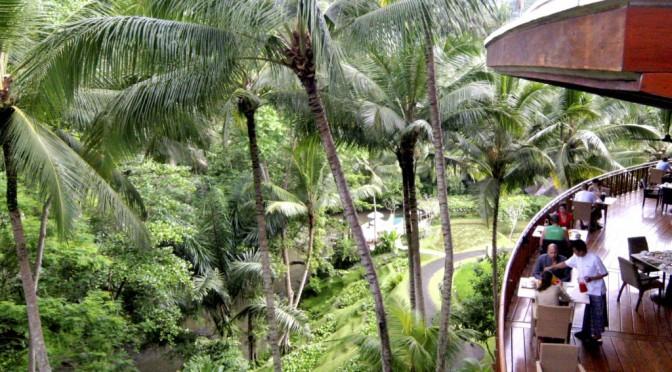 バリ島フォーシーズンズ、森に囲まれた静かな時間