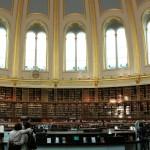 ロンドン、資料探しに円形書架が美しいBritish Libraryへ