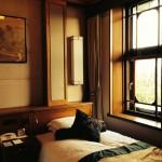 老舗のクラシックホテル、奈良ホテルの気品ある部屋