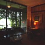 スリランカのジャングル、木々のざわめきだけが聞こえる神秘的な部屋