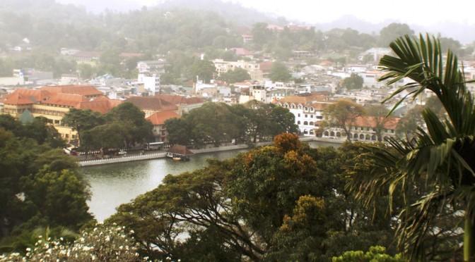 スリランカ最後の王朝があった都キャンディ、コンパクトな古都で感じるかつての煌びやかな世界