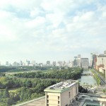 眼前に皇居の緑が広がるティータイム、帝国ホテル「インペリアルラウンジ アクア」