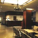 伊豆アートひとり旅、宿泊はパリのカフェのようなレストランがある小さなホテルへ